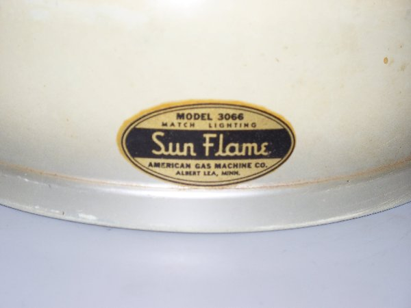 What's 'AMERICAN GAS MACHINE COMPANY SUN FLAME MODEL 3066' Worth? Picture