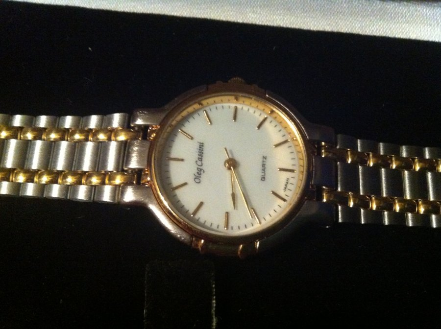 What's 'Oleg cassini watch 32-010' Worth? Picture