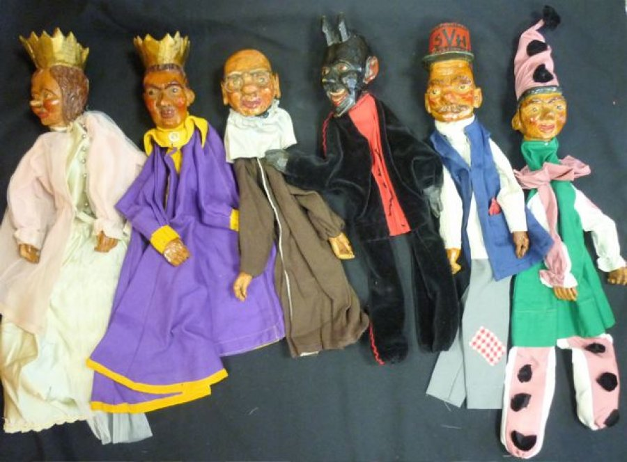 german handcarved wooden puppets  review What is [THIS] Worth?