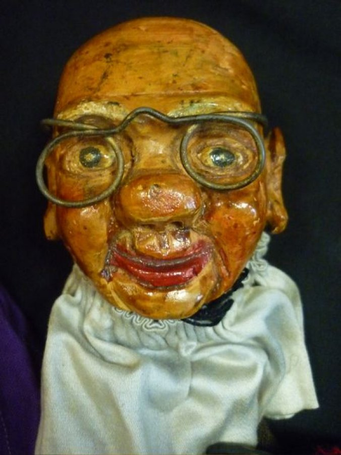 german handcarved wooden puppets  Picture