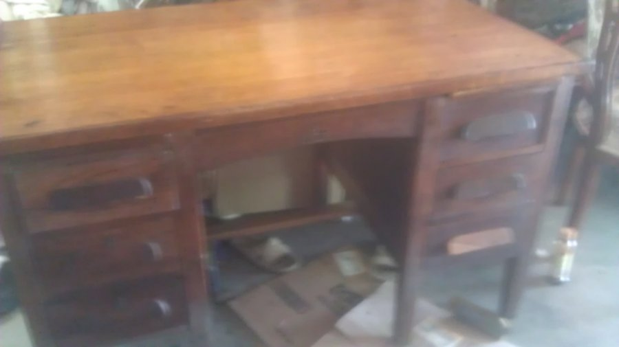 What's 'ah Andrews office desk' Worth? Picture