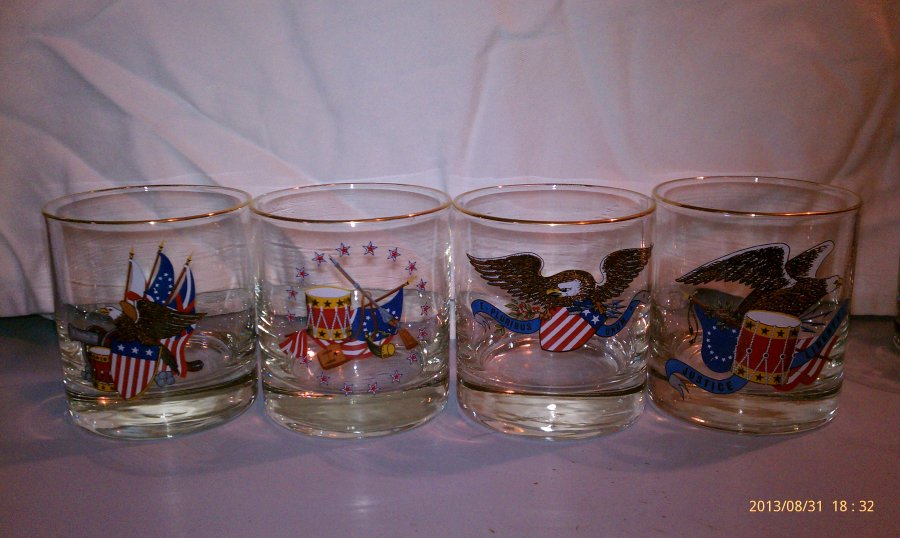 Bicentennial Glasses Picture