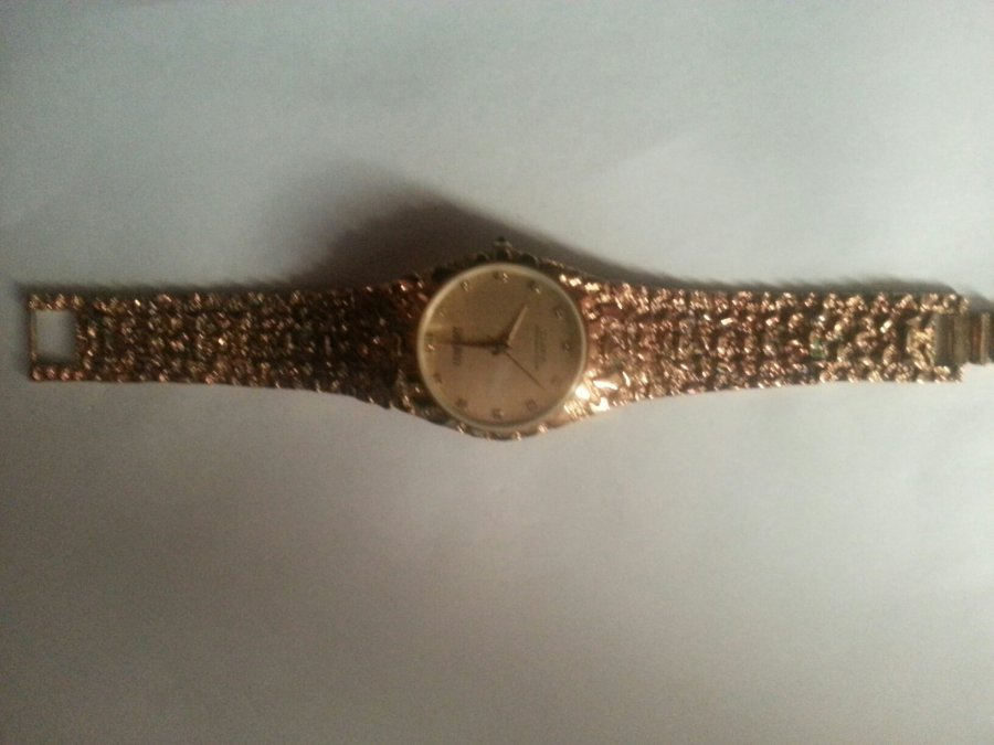 What's 'mens consort watch with diamonds numbers' Worth? Picture