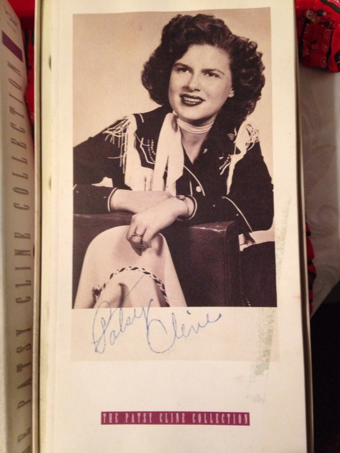 What's 'patsy cline collection cassettes 1991 collectible autograph' Worth? Picture