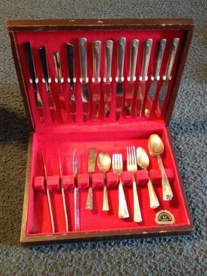 What's 'old embassy silver plate 8 piece flatware set in wooden case from International Silver Company' Worth? Picture