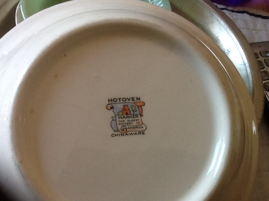 What's 'Harker Hotoven Chinaware' Worth? Picture