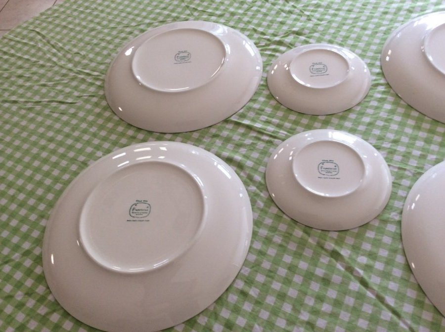 What's 'authentic original cloud nine Franiscan dinner plate with kiln marks' Worth? Picture