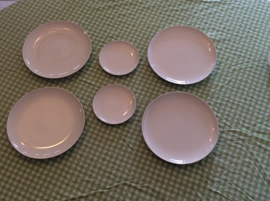 What's 'autentic original cloud nine Franiscan dinner plate with kiln marks' Worth? Picture