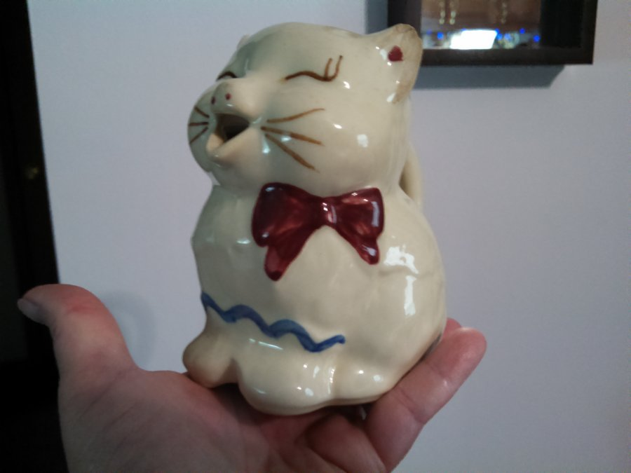 What's 'Vintage Shawnee Puss'n Boots Cat Creamer' Worth? Picture