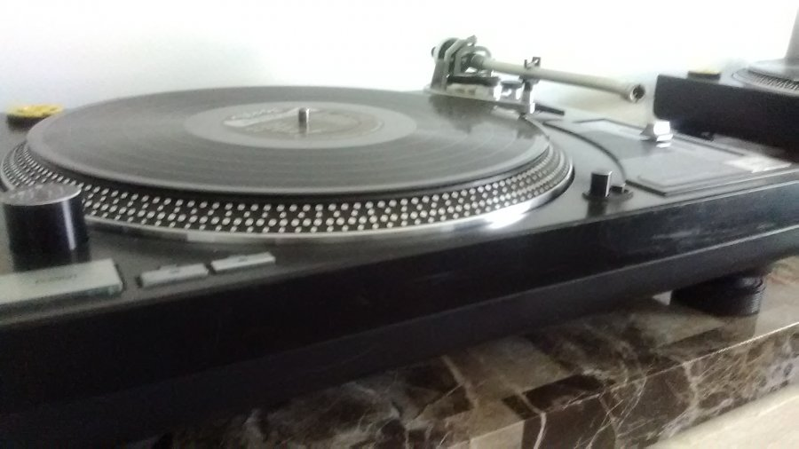 What's 'Lineartech dd 1700 phase 2 turntable' Worth? Picture