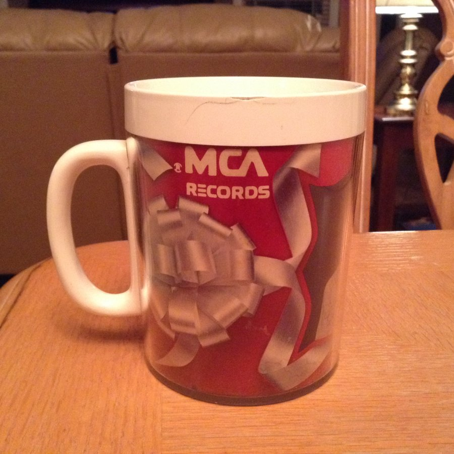 What's '1973 Merle haggard mca tally records promotional coffe cup' Worth? Picture
