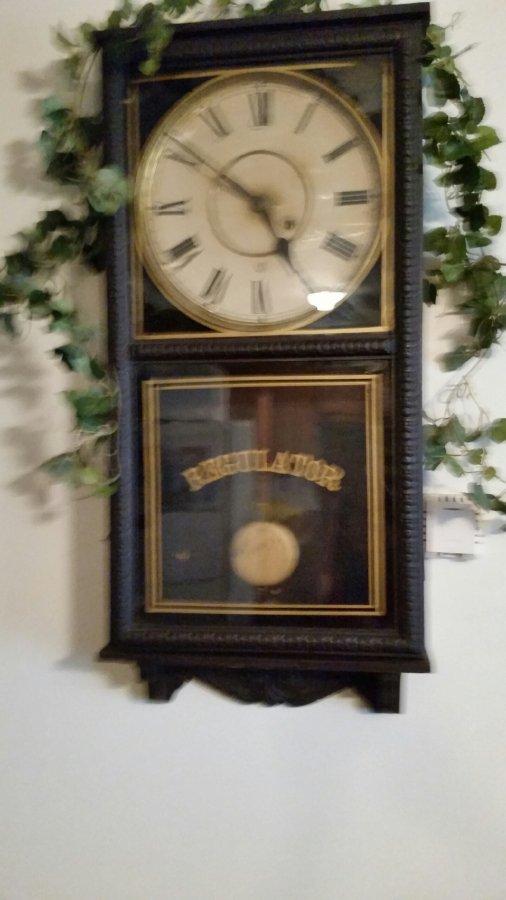 Regulator Clock Picture