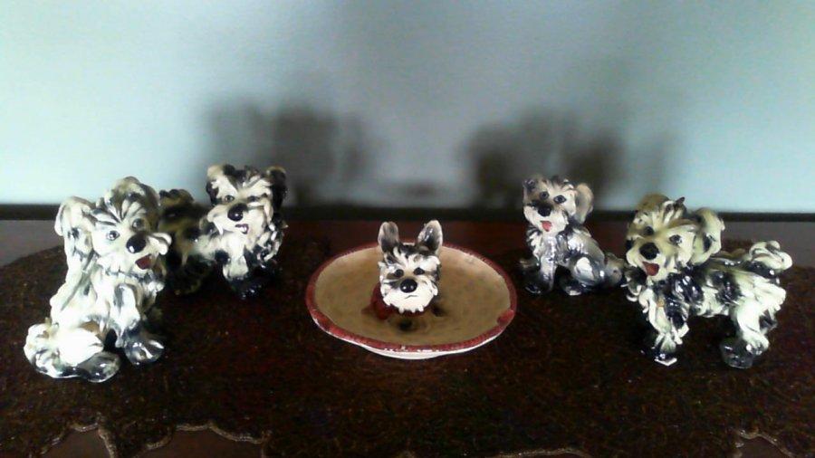 What's 'Italian spaghetti dog ceramic' Worth? Picture 1
