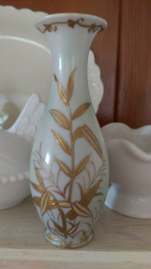 What's 'Vase made in occupied Japan' Worth? Picture