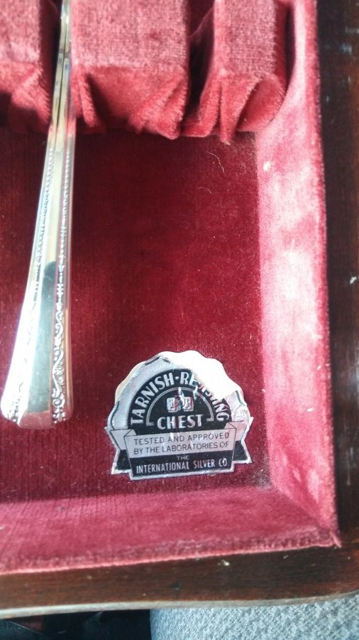 What's 'Rogers DeLuxePlate Original Gracious' Worth? Picture