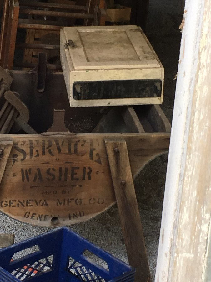 What's 'Wood service washer Geneva Mfg Co Geneva, IN' Worth? Picture