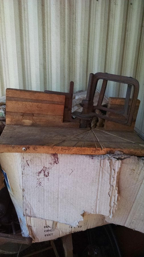 What's 'E.c.stearns&co miter saw' Worth? Picture