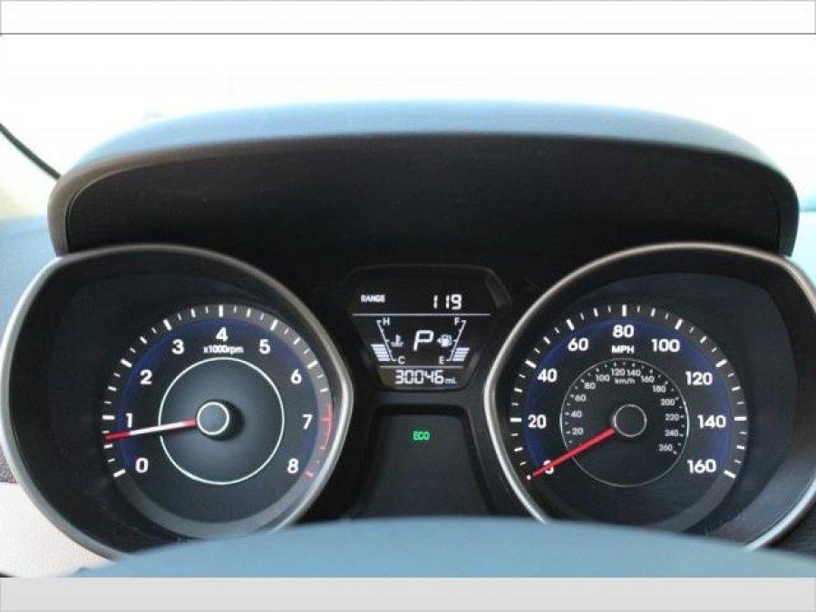 2016 Hyundai Elantra  fully option Picture
