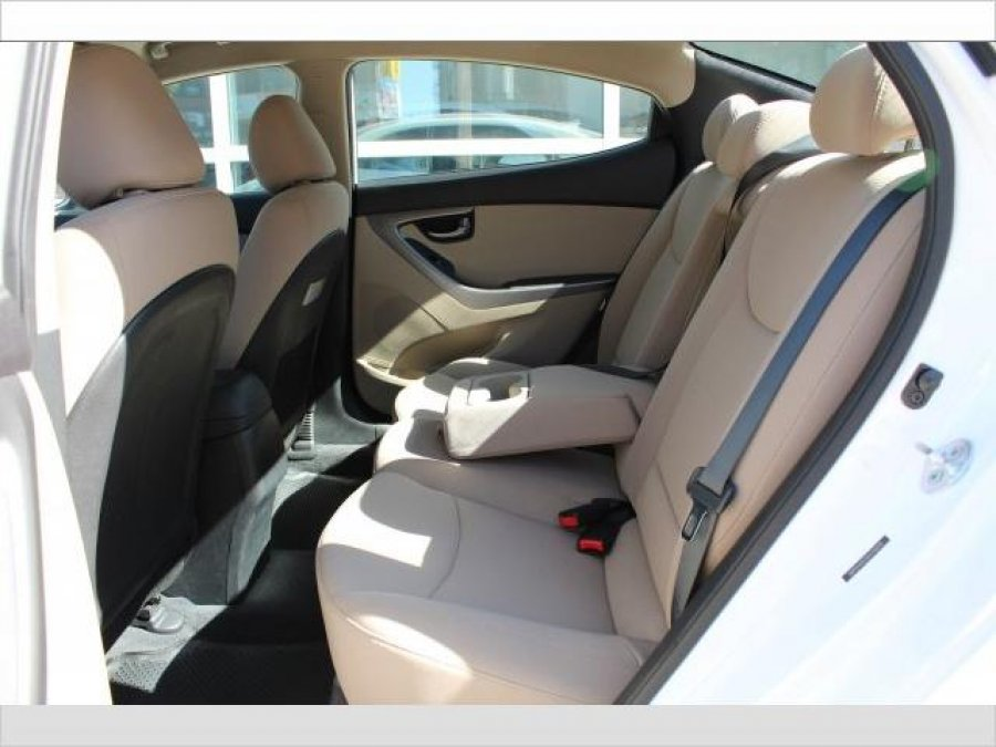 2016 Hyundai Elantra  fully option Picture