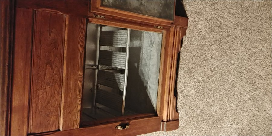 What's 'Antique Ice Box' Worth? Picture