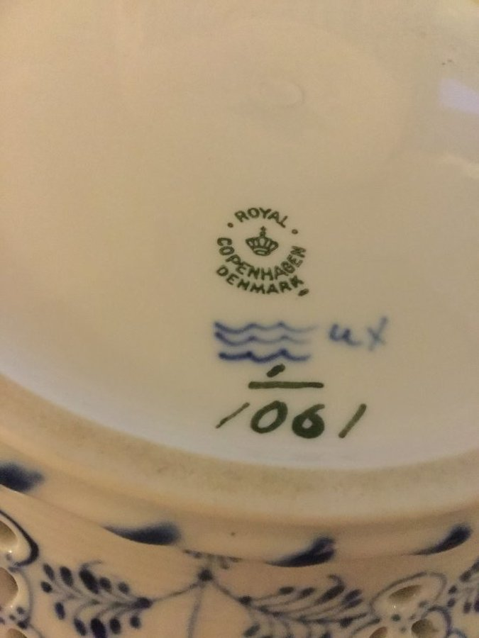 What's 'Bowl marked Royal Copenhagen Denmark 1023 ' Worth? Picture